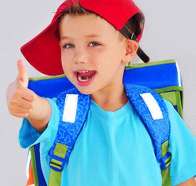 zur Schule laufen, Gewicht des Schulranzens, Mütze
