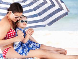Strand, Sonnenschirm, Sand, Spielen