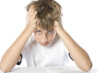 Lernen, Noten, Beurteilung, Schreibtisch
