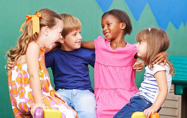 Teamplayer, Kinder, Schule, gemeinsam Lernen, moll, Gesundes Lernen, Gruppe