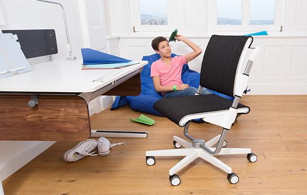 moll, Kinderschreibtisch, mitmachender Schreibtisch, gesundes Lernen