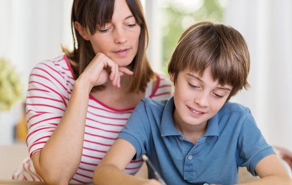 Kinderschreibtische, Kinderdrehstühle, mitwachsende Schreibtische, mitmachende Stühle, Kinder